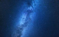 Млечный путь Ночное небо с играет главные роли как предпосылка Естественное compositon на nighttime стоковая фотография rf