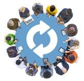 Многонациональная группа в составе сеть Social Peolple Стоковое фото RF