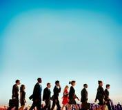 Многонациональная концепция города часа пик Businesspersons идя Стоковые Фото