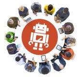 Многонациональные люди используя приборы цифров с роботом иллюстрация штока