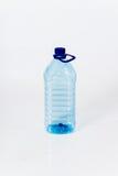 Многоразовая стандартная пластичная бутылка с водой Стоковые Фото