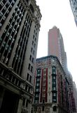 Многоэтажные здания различных стилей в Манхаттане США 2017 стоковые фото