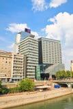 Многоэтажные здания, канал Дуная вена Австралии Стоковые Фотографии RF