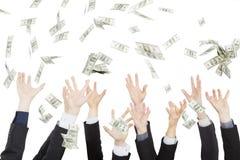 Много долларов падая в наличии Стоковые Изображения