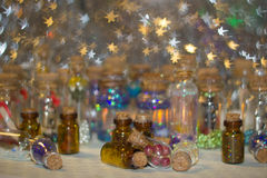 Много декоративных бутылок Стоковые Изображения