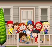Много детей стоя на балконе иллюстрация штока