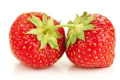 Много клубник ягод зрелых сочных на белой таблице Стоковое Фото