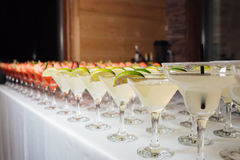 Много коктеилей на партии Стоковое Изображение RF