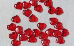 Много красные прозрачные сердца Стоковое Изображение RF