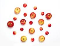 много красных плодоовощей яблок изолированных на белой предпосылке Стоковое Фото