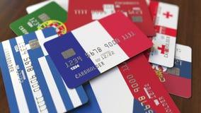 Много кредитных карточек с различными флагами, подчеркнули карту банка с флагом Франции иллюстрация вектора