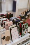 Много крышки по телефону стоковая фотография