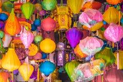 Много ламп вися в магазине, азиатском стиле стоковые изображения