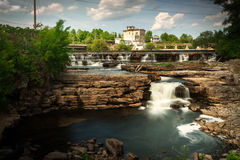 Много малых водопадов в Almonte, Онтарио Канаде Стоковое фото RF