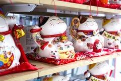 Много милый традиционный талисман игрушки маня кота Стоковое фото RF