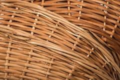 Много пустых плетеных корзин в куче Стоковые Изображения