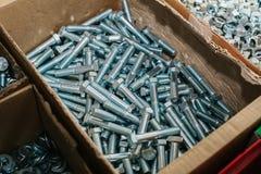 Много различных инструментов крепления используемых в конструкции и в изготовлении ремонта Стоковые Изображения RF