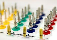 Много размеров зубоврачебных сверл различных Стоковое Изображение RF