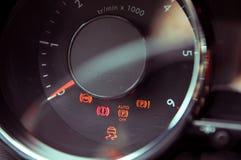 Много различных освещений приборной доски автомобиля Стоковое фото RF