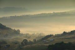 Много смогли в утре и справедливо от отражения восхода солнца дальше смогл настолько красивый Стоковые Фото
