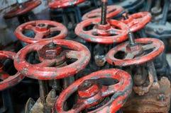 Много старая чернота с красными клапанами Стоковые Фотографии RF