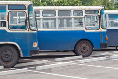 Много старая шина в автостоянке Стоковая Фотография