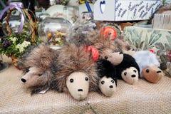 Много сувениров от России hedgehogs Стоковое Фото