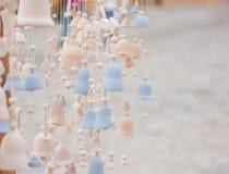 Много частей керамических, котор сгорели колоколов Стоковые Изображения