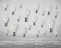 Много электрическая лампочка на стене Стоковые Фото