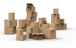 Множественные коричневые коробки упаковки картона Стоковые Фотографии RF