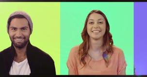 Множественный экран показывая счастливый усмехаться людей видеоматериал