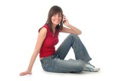 мобильный телефон девушки используя Стоковая Фотография