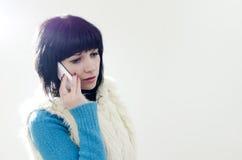 мобильный телефон девушки стоковое фото rf