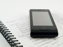 мобильный телефон дома дела бюджети стоковые изображения rf