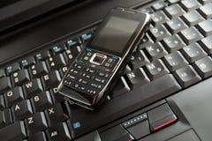 мобильный телефон компьтер-книжки клавиатуры Стоковые Изображения RF