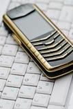 мобильный телефон компьтер-книжки Стоковое Изображение RF