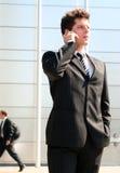мобильный телефон человека используя Стоковое Изображение