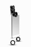 Мобильный телефон двинутый под углом вертикально с зажимом на объективах фотоаппарата фото стоковое фото rf