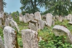 Могильные камни в еврейском кладбище Стоковое Изображение