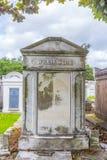 Могильные камни на кладбище Лафайета никаком 1 в Новом Орлеане Стоковые Изображения RF