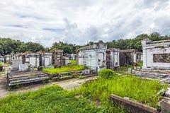 Могильные камни на кладбище Лафайета никаком 1 в Новом Орлеане Стоковое Фото