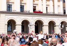 17 могут Осло Норвегия на фронте королевского дворца Стоковая Фотография