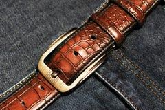 Мода пояса и джинсов ` s людей Стоковое Изображение