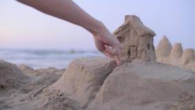 Модель дома песка сток-видео