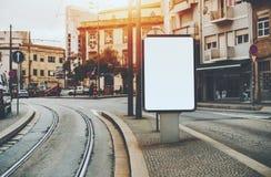 Модель-макет знамени в городских условиях Стоковое фото RF
