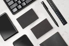 Модель-макет корпоративных канцелярских принадлежностей клеймя с пробелом визитной карточки Стоковые Фотографии RF