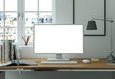 Модель-макет настольного компьютера с белым экраном стоит на столе офиса бесплатная иллюстрация