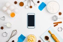 Модель-макет b вебсайта обслуживания применения мобильного телефона выпечки кухни Стоковая Фотография RF