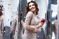 Модель очарования собрания весны дамы женщины портрета красивая fas Стоковое фото RF