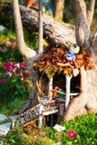 Модель цветка fairy в доме на дереве Стоковые Изображения RF